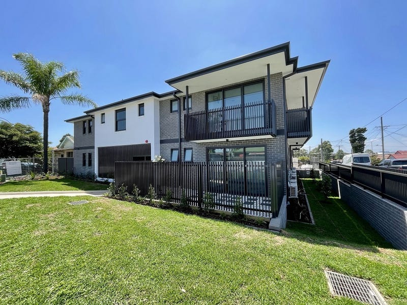 111 Woodville Rd, Granville, NSW 2142
