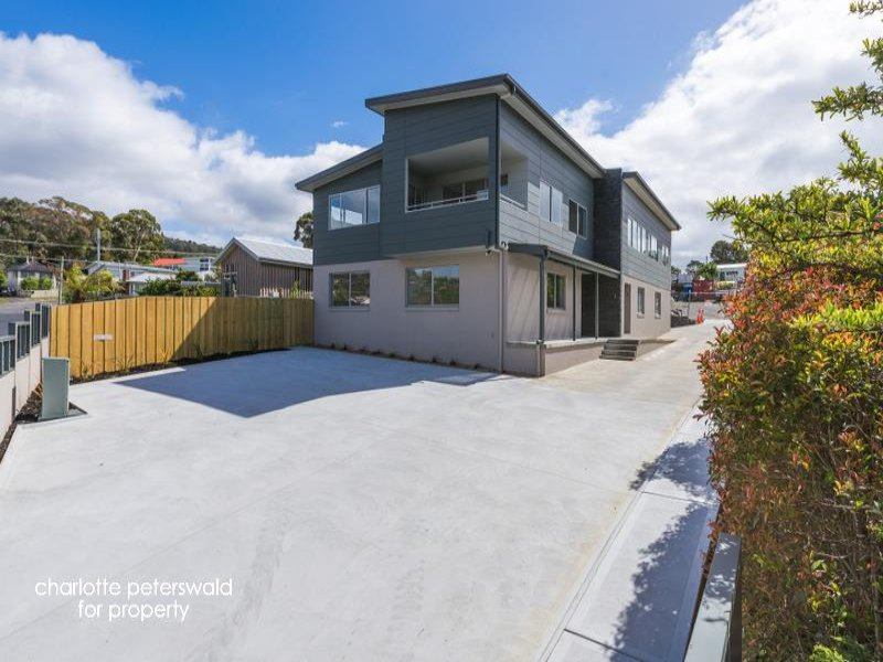 1/5 Wells Parade, Blackmans Bay, Tas 7052
