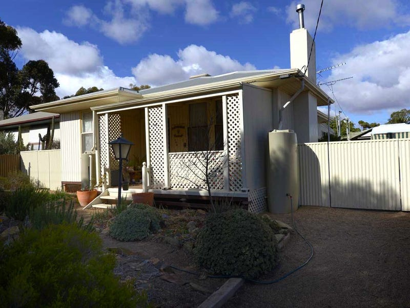 120 Queen St, Peterborough, SA 5422