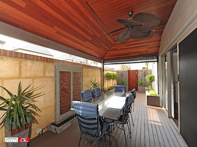 Outdoor living design with deck from a real Australian ... on Aust Outdoor Living id=64229
